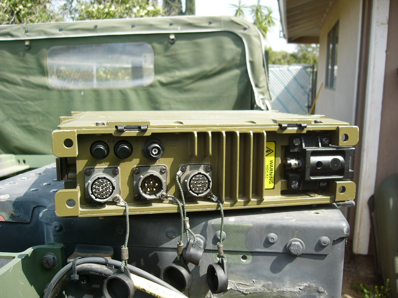 Plessey 4300 HF Manpack Radio – Mark's Tech Journal